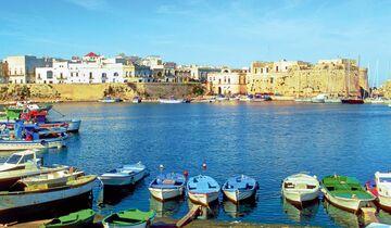 Altstadt von Gallipoli auf einer Insel am Golf von Tarent