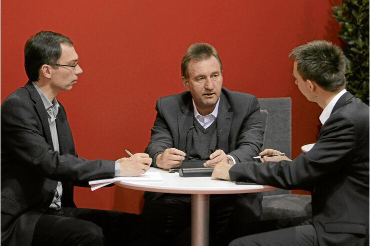 Carthago-Chef Karl-Heinz Schuler im Gespräch.