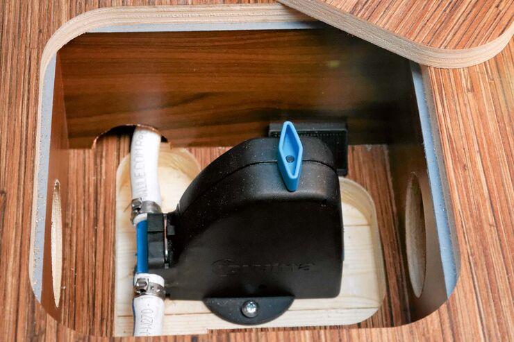 frostw chter im wohnmobil warum l uft wasser aus dem wassertank promobil. Black Bedroom Furniture Sets. Home Design Ideas