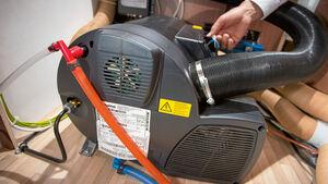 Die Truma Combi ist die weitverbreitetste Heizung bei Reisemobilen. Es gibt sie mit 4000 und 6000 Watt maximaler Heizleistung.