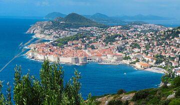 Dubrovnik mit seiner berühmten Stadtmauer.