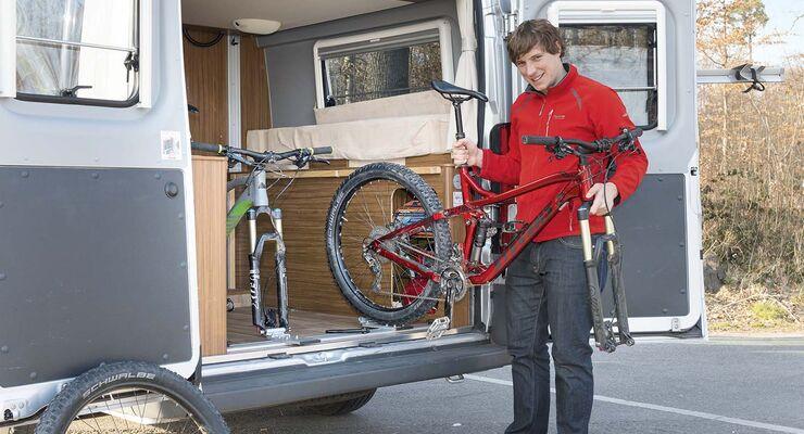 das fahrrad im wohnmobil transportieren und befestigen. Black Bedroom Furniture Sets. Home Design Ideas