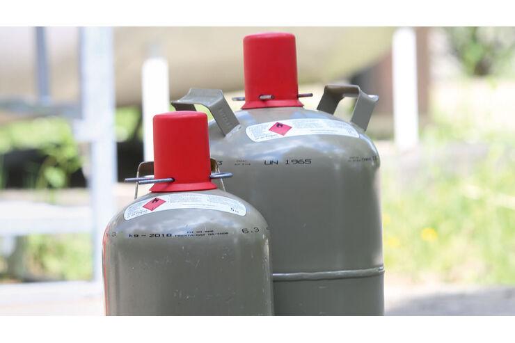 Große und kleien Gasflaschen