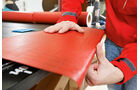 Haftvermittler auftragen bei Möbelkanten