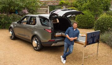 Jamie Olivers Land Rover Discovery als mobile Küche