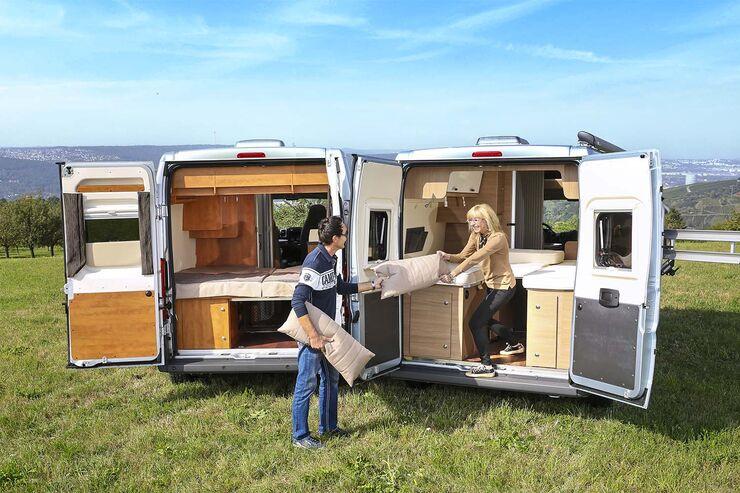 Karmann Davis 600 Viva und Malibu Van 600 LE mit geöffnetem Heck