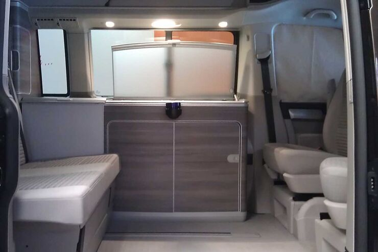 neuer california auf vw t6 erster blick in den camper promobil. Black Bedroom Furniture Sets. Home Design Ideas