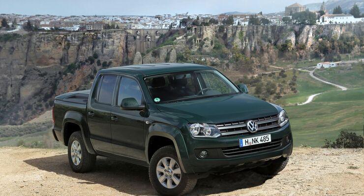 VW bestückt den Amarok mit einem stärkeren Basismotor. Der 2.0 TDI mit 90 kW/122 PS wird durch eine Version mit 140 PS ersetzt.