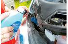 Vergleichstest, Basisfahrzeuge, Servicefreundlichkeit: Fiat-Scheibenwaschwasser