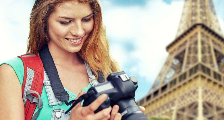 Wer Urlaubsfotos allzu unbekümmert veröffentlicht, kann sich teure Schadensersatzforderungen einhandeln. promobil sagt, was erlaubt ist und was nicht.