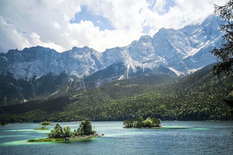 Wohnmobil-Reise in dieZugspitz-Region: Entlang idyllischer Bergseen imAlpenvorland